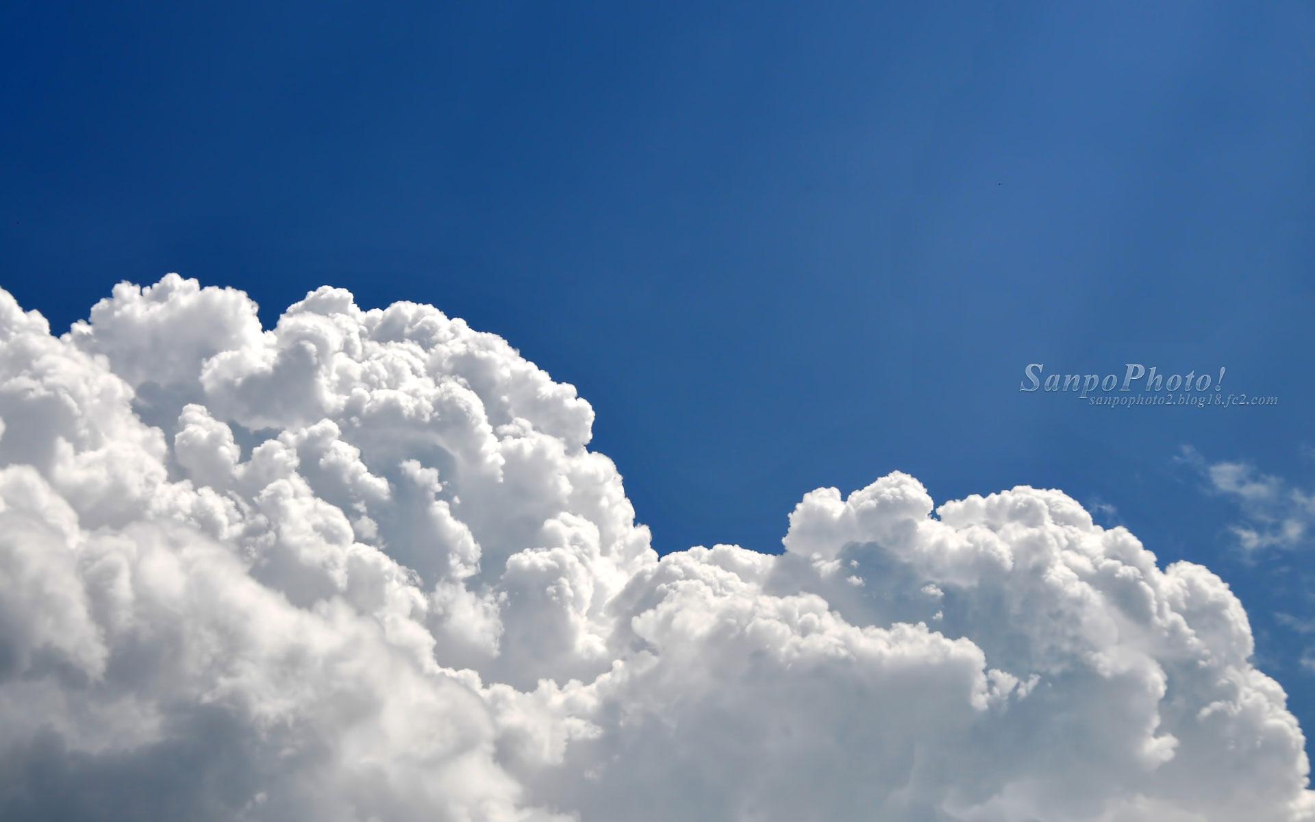 さんぽふぉと Sanpophoto 無料壁紙 梅雨の入道雲