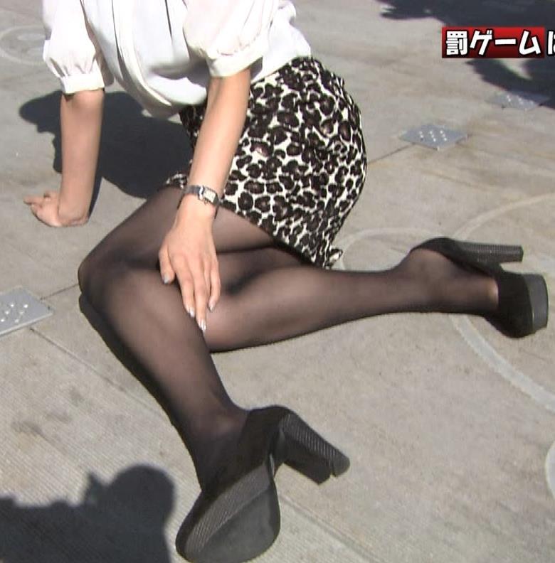田中みな実 ミニスカートキャプ・エロ画像3