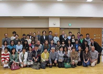 留学生と里親の記念写真