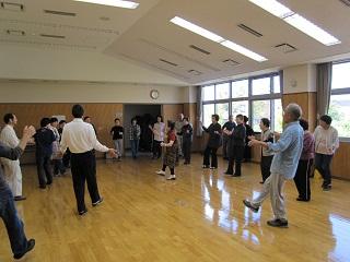 亀田さんのアドバイスもあり踊りもずいぶん上達。