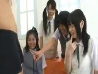 名門女子校生4人に男性のおちんちんを見てもらおうドキドキ企画!