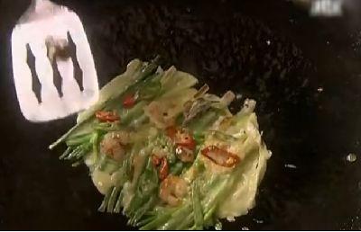 手際のよいへジュンの料理さばき